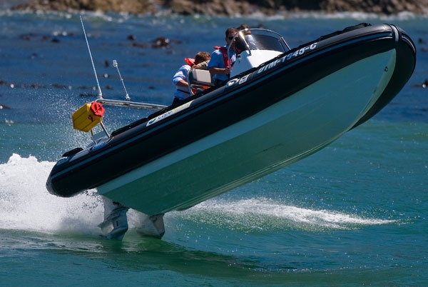 What are the benefits of rigid inflatable boats?