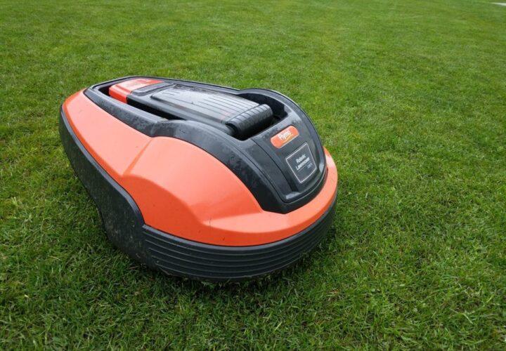 Robotic Lawnmower Option as Per Season Demand