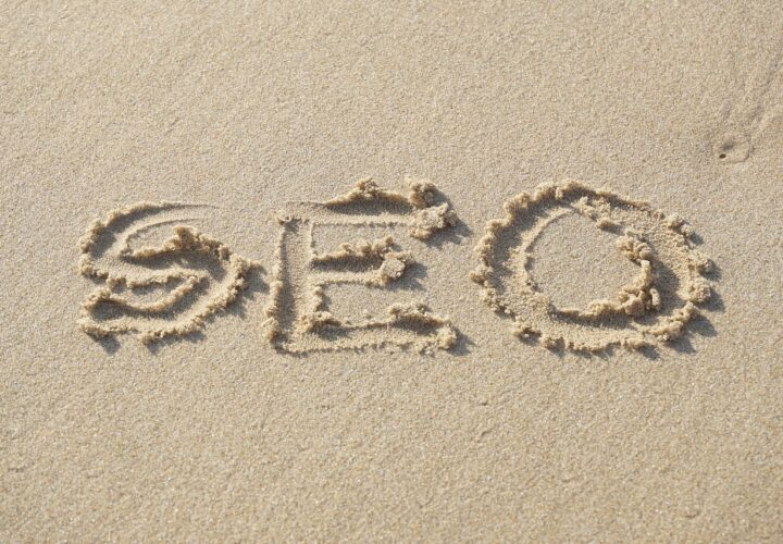 What are the differences between Black Hat SEO and White Hat SEO?