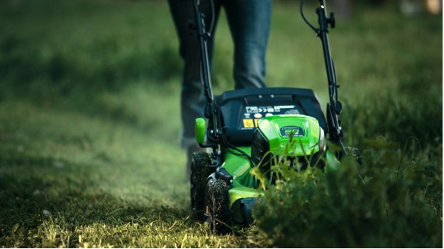 How Good Is A Cordless Lawn Mower?