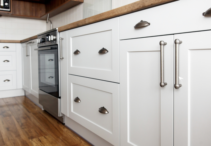 KITCHEN CABINETS DON'T HAVE TO BE HARD TO ORGANIZE – 7 TIPS