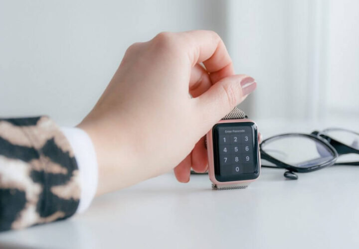 Touch Display Watches – What Are the Perks?