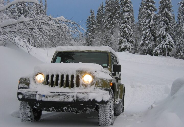Car Tips for Winter: 9 Things to Do to Maintain and Keep Your Vehicle Safe