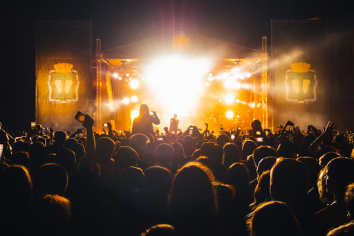 Live Music Shows in Los Angeles has a Powerful Impact than Recorded Music