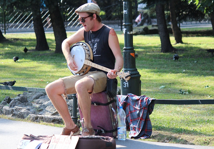 An Introduction to Clawhammer Banjo