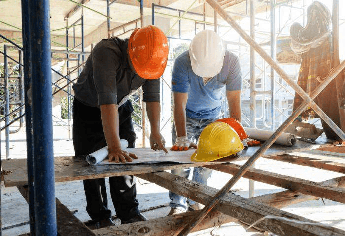 What are the major types of estimates in construction?