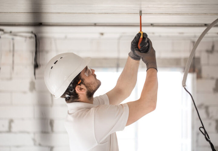 How To Find Commercial Electrical Contractors?