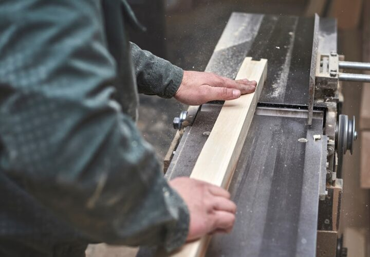 How Does a Jointer Works: A Comprehensive Guide
