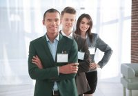 5 Reasons to Use Name Tags in the Workplace